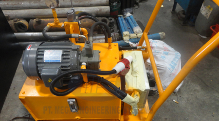 HYDRAULIC AND POWER PACK1